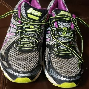 Oasis Athletic Shoes for Women   Poshmark